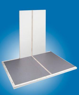 Muster Boden-Wand mit eingeschäumter Trennwandleiste zur Aufnahme der Trennwand.